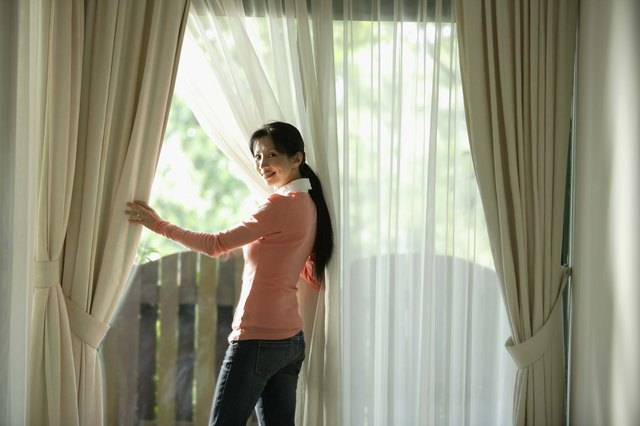 Tips For Choosing and hanging your curtains
